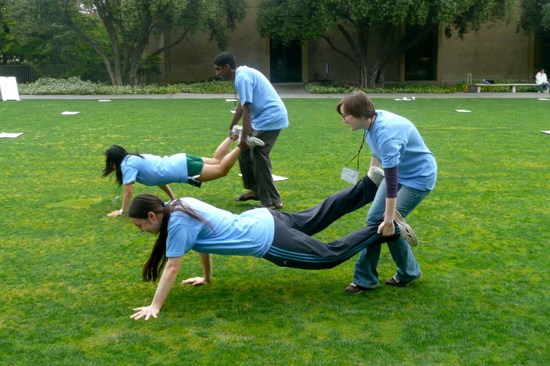 Human Wheelbarrow Game : Free Programs, Utilities and Apps ...
